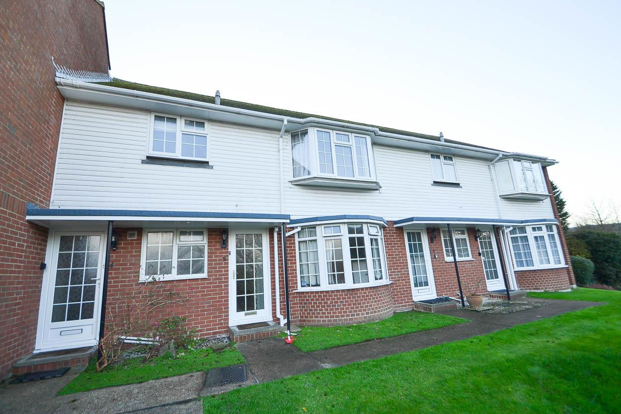 2 Bedrooms Flat for sale in Mill Gap Road, Eastbourne